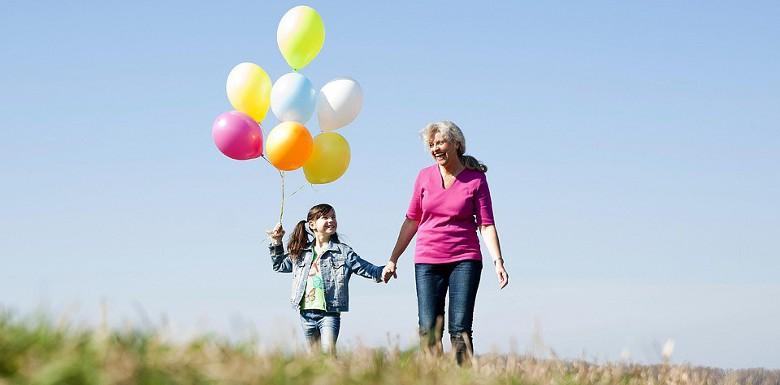 Гелиевые шарики и композиция из шаров для бабушек и дедушек